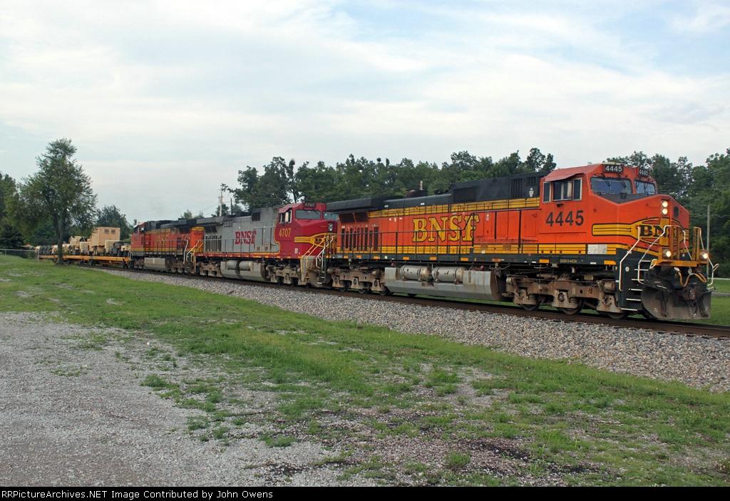 BNSF 4445/PAL MI1