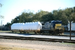 CSX 5935 working as M734 has brought 2 flats of blade hubs to Goulding yard.