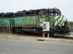 BNSF 3007 resplendent in its faded BN Cascade Green