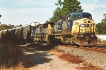 Another C40-8W leads autoracks south