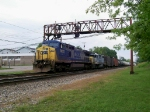 CSX 7855 westbound under the signals
