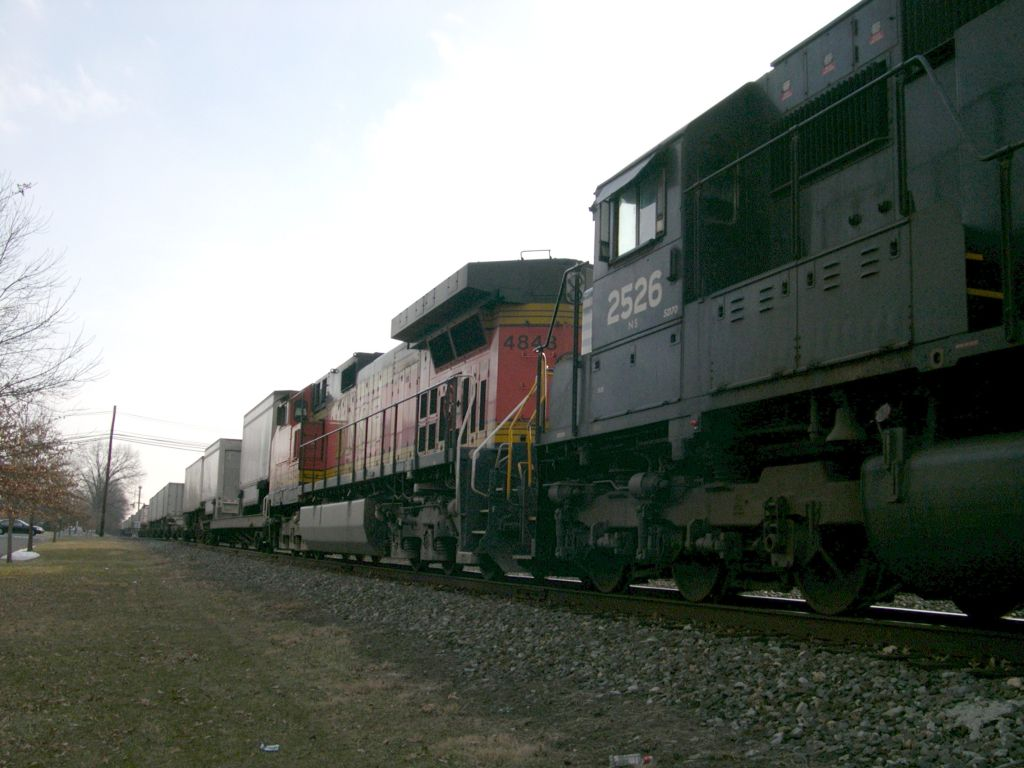 NS 21M With BNSF Power Trailing