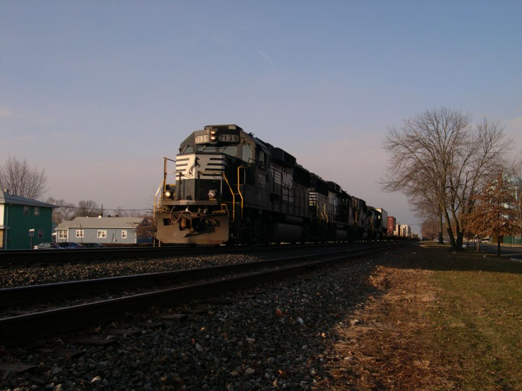 A Northbound Norfolk Southern Intermodal Train Passes South 13th Street