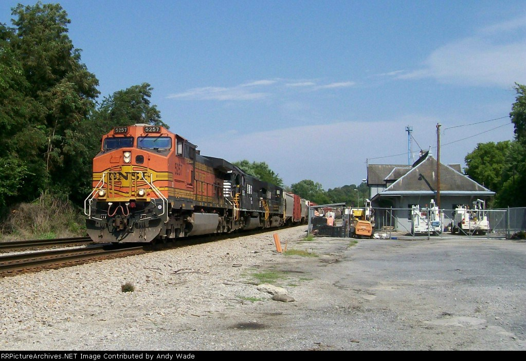 BNSF 5257 a long way from home