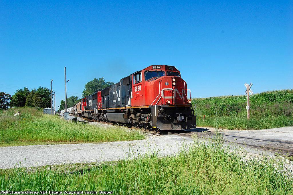 CN 5680 & CN 5724