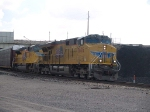 UP 7676 leads a WB autorack/doublestack at 1:15pm