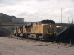 UP 7830 leads a WB KATLB doublestack at 10:06am