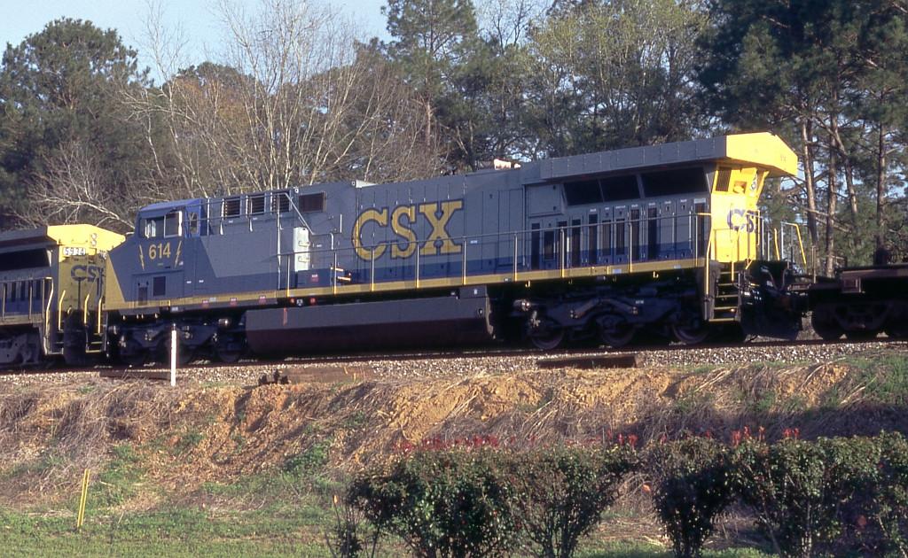 CSX 614 on Q102