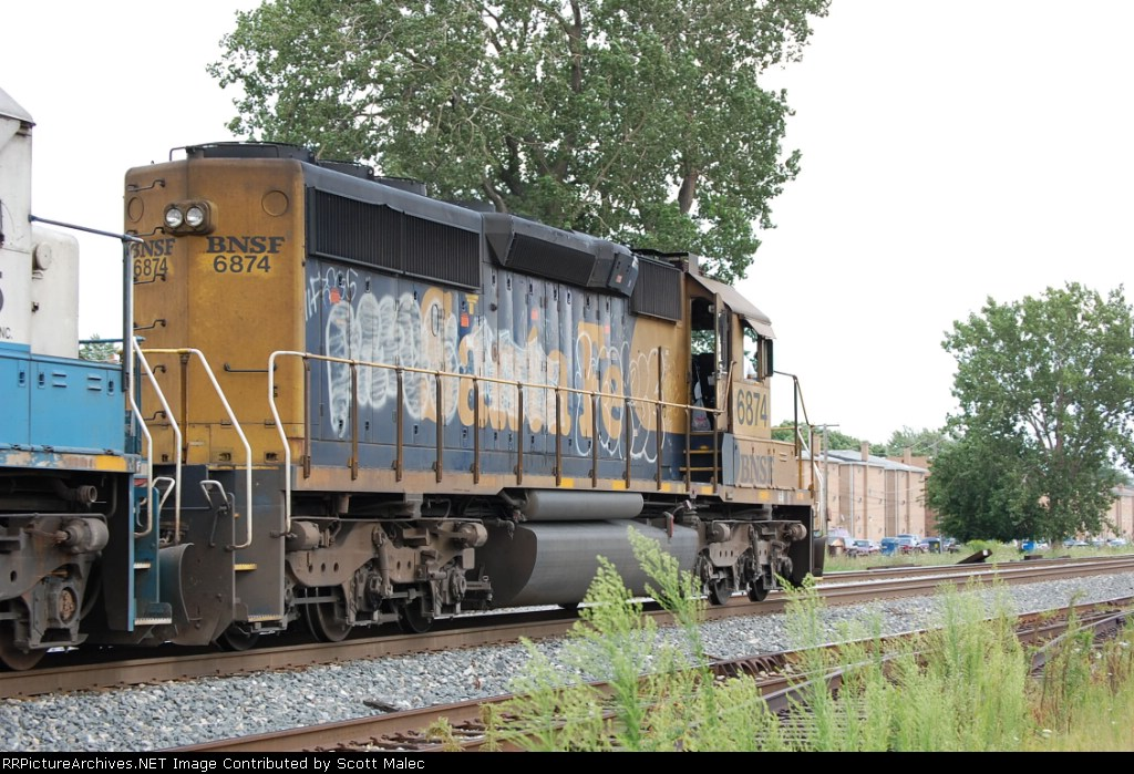 BNSF 6874