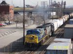 CSX 622 leads southbound freight