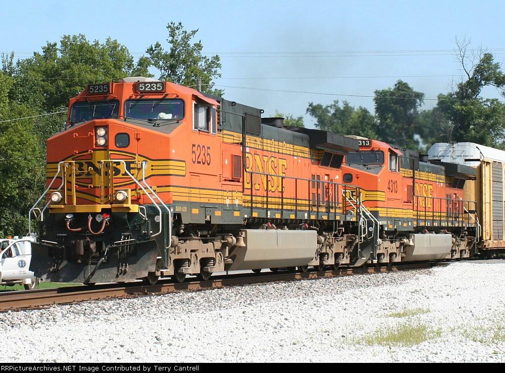 BNSF 5235/BNSF 4313