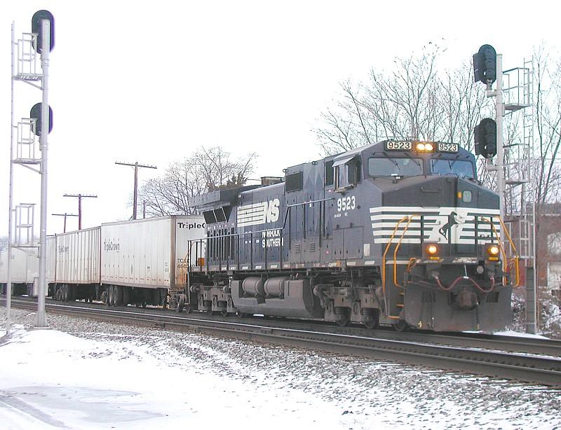 NS 9523 NS 262 at Bone yard