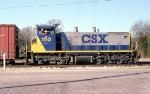 CSX 1110 switching cars