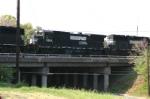 NS 3522 Crosses Holden Road