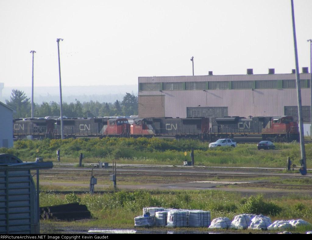 CN 305's power at Gordon Yard