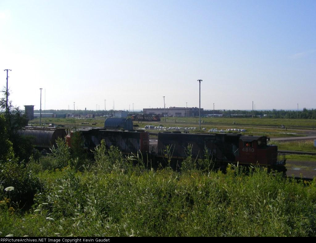 CN 539 yard shunters, 305 & 406 at Gordon Yard