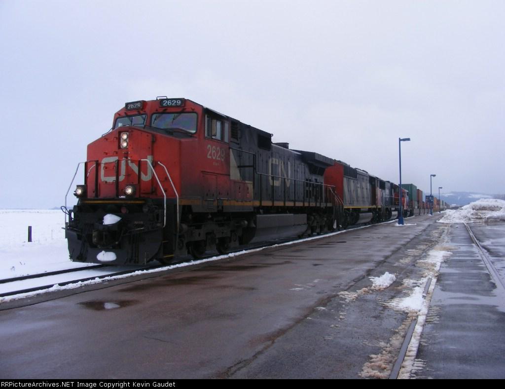 CN 120 passing Sackville station