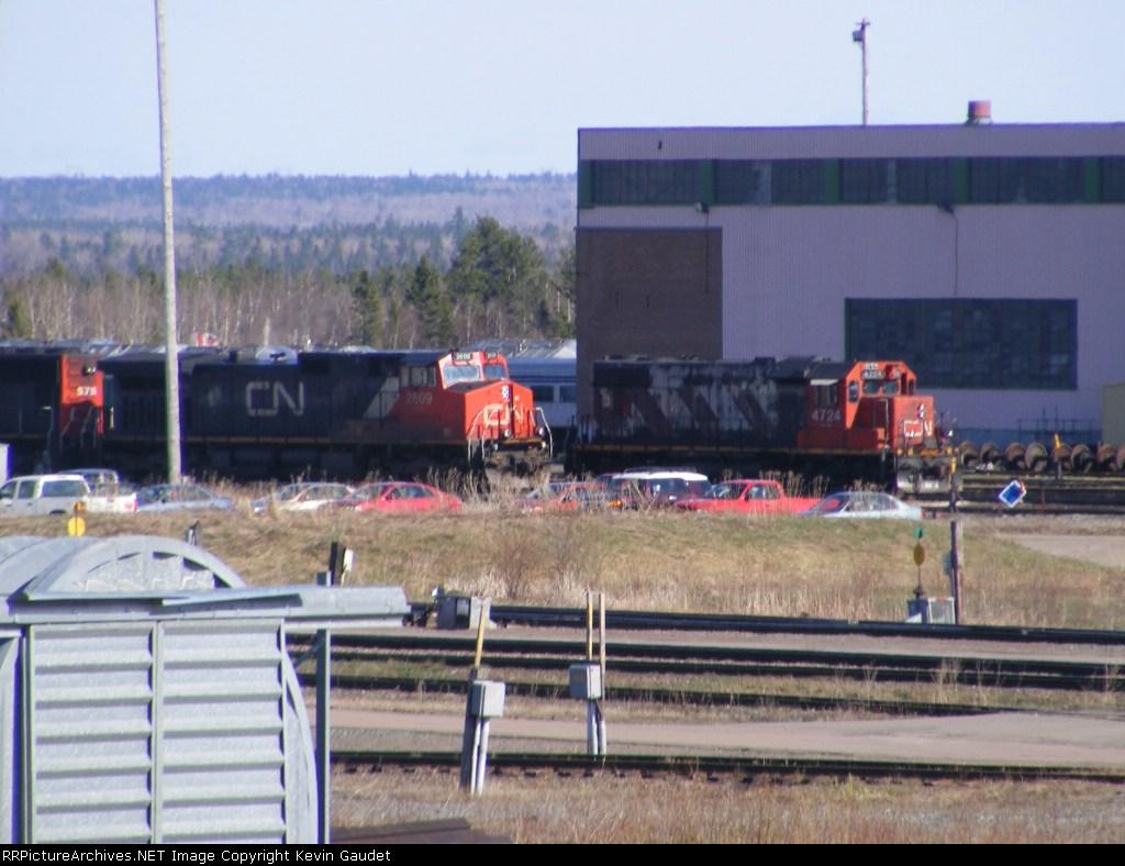 CN 408s power & CN 4724 at Gordon Yard