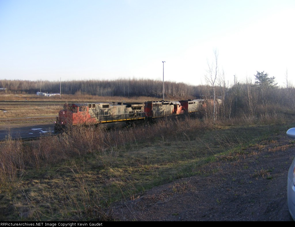 CN 405 arriving at Gordon Yard with a nice lashup