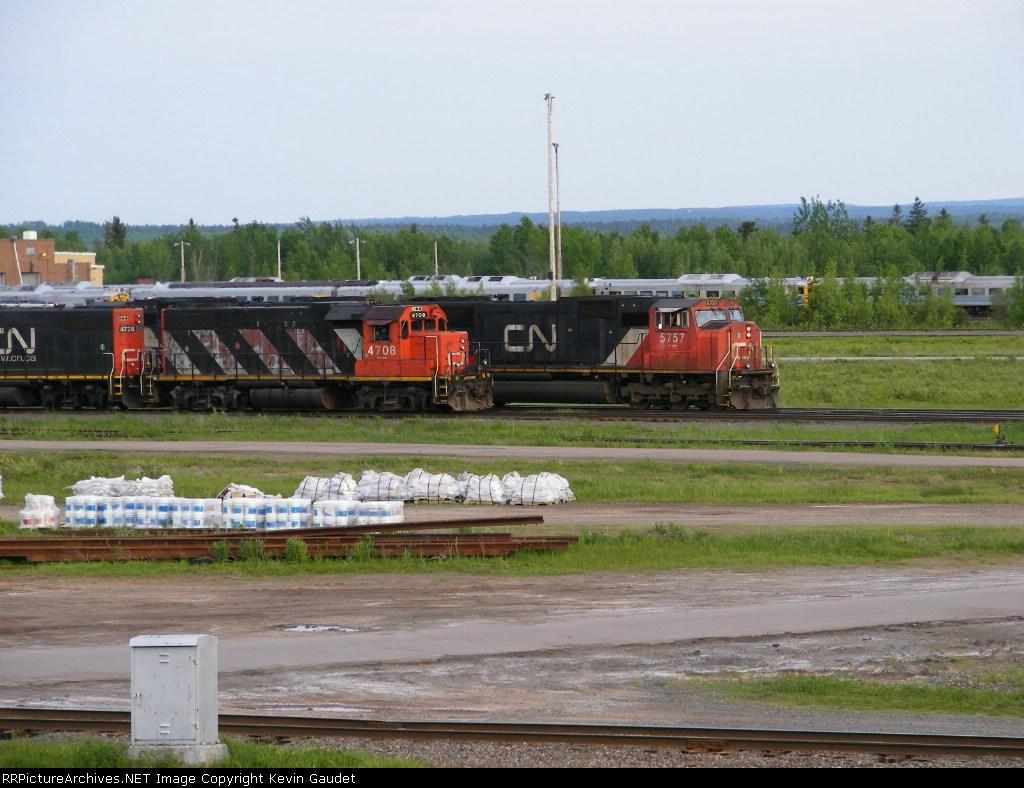CN 408 passing the yard shunters at Gordon Yard