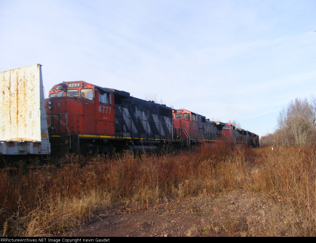 CN 305 w/ a dimensional load at Berry Mills