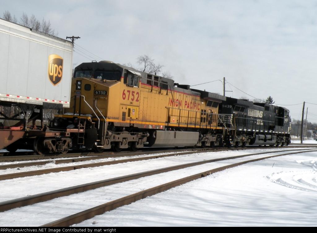 UP 6752