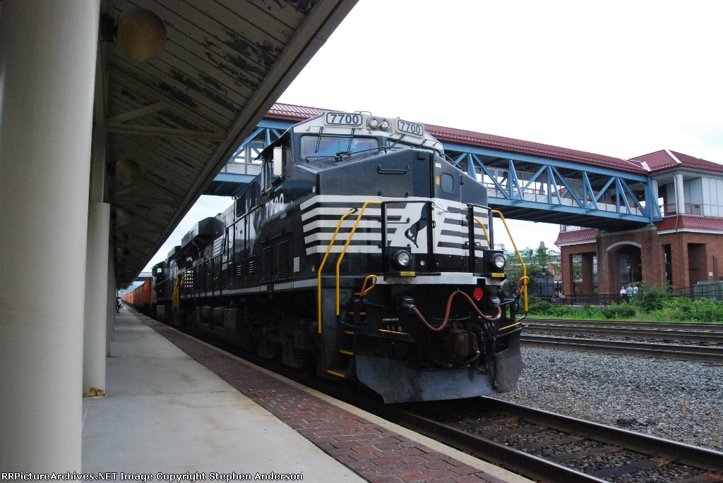 NS 7700