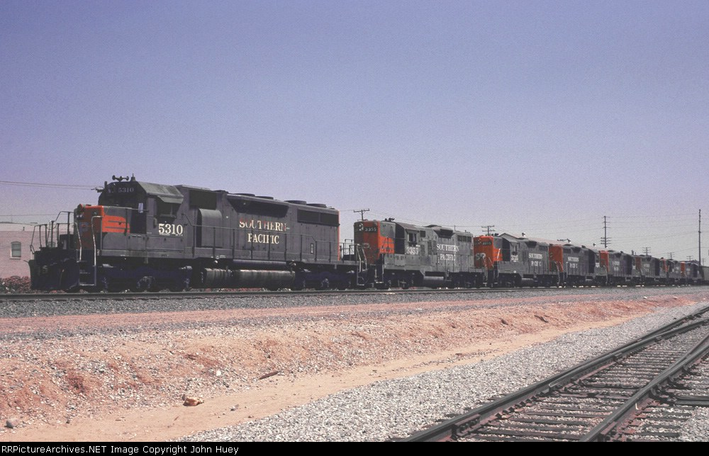 SP 5310 leads 7 GP9's through Industry.