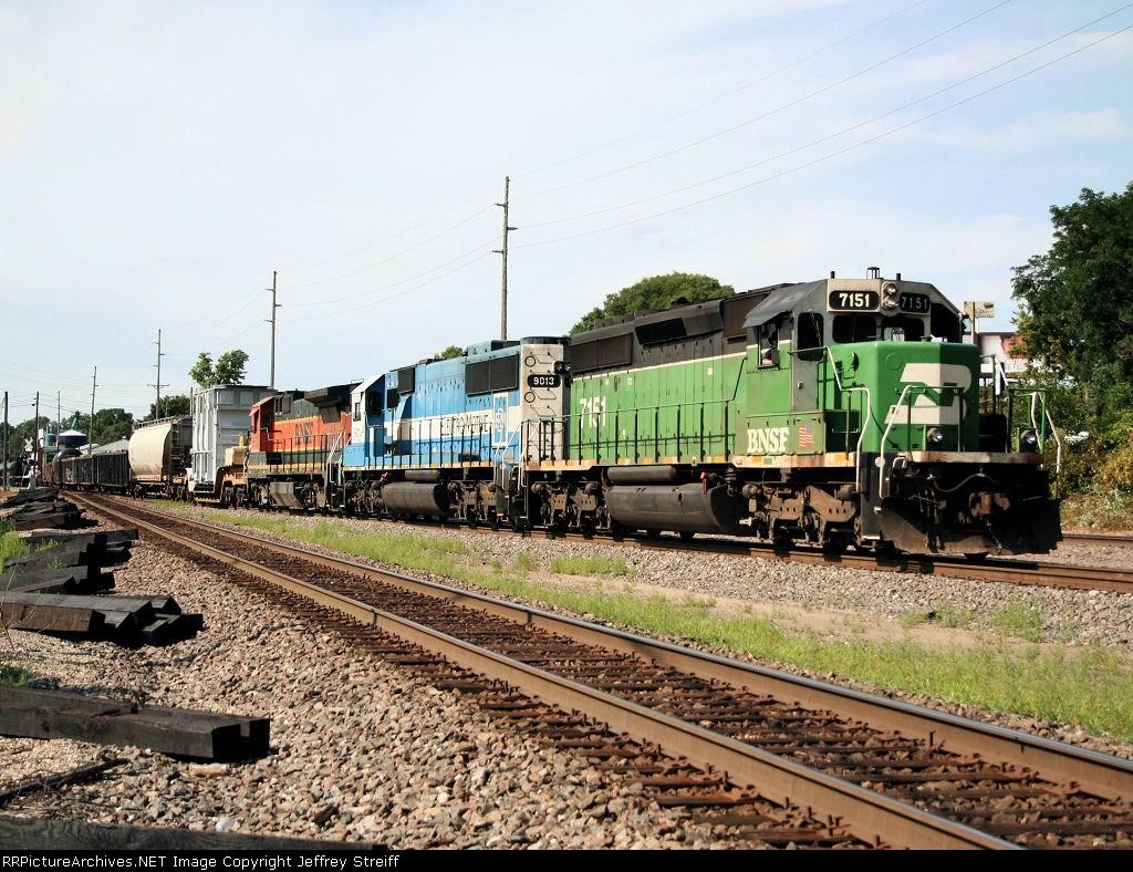 BNSF 7151