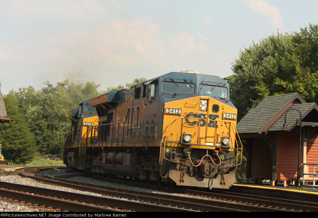 CSX 5412 leads the Q416 west with 115 cars in tow