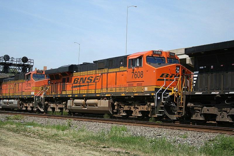 BNSF 7608