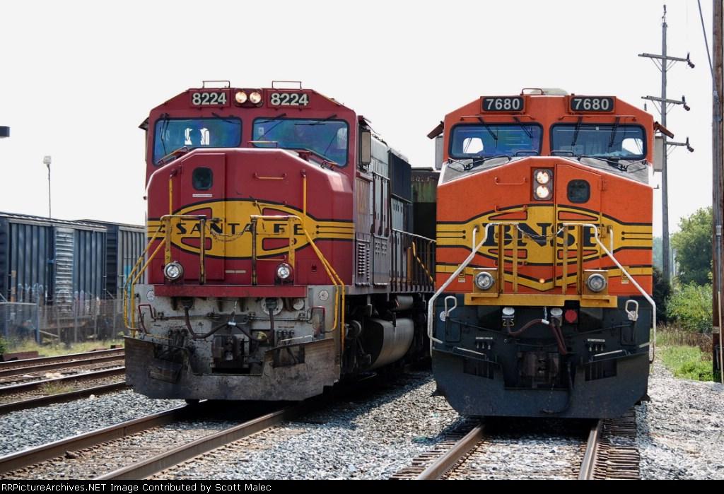 BNSF 8224 & 7680
