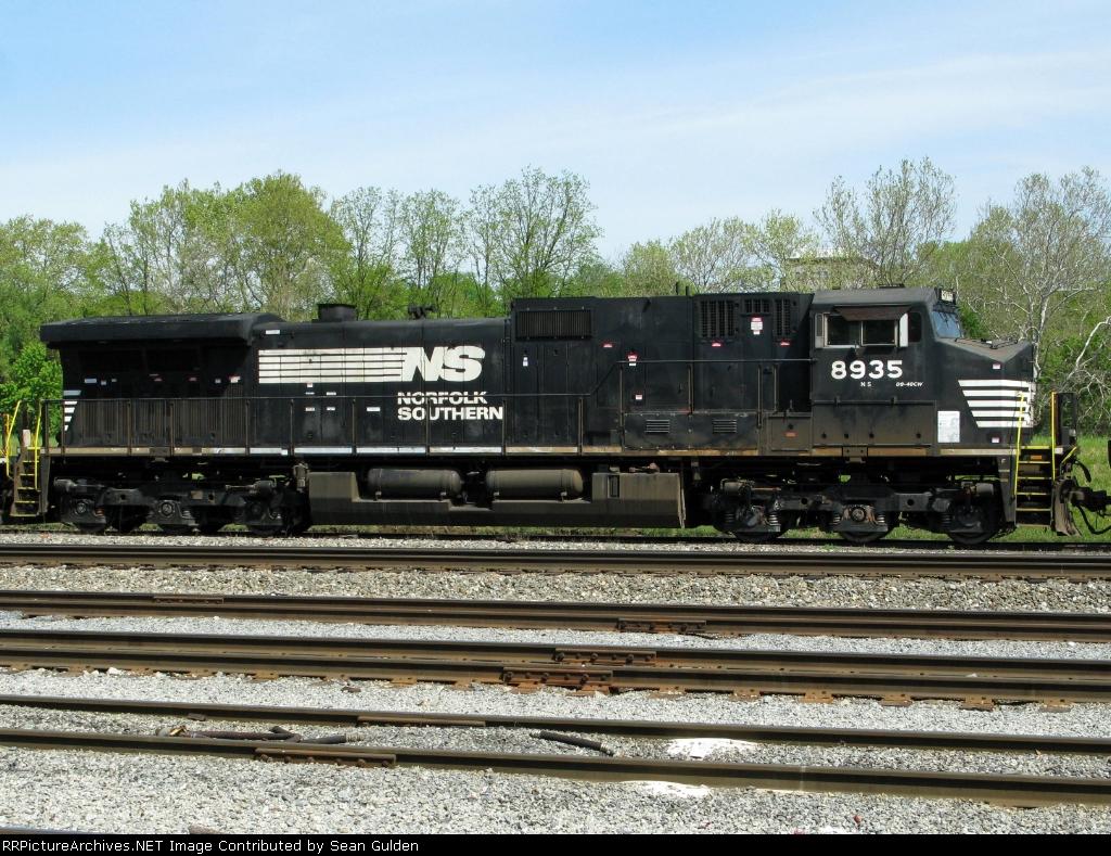 NS GE C40-9W 8935