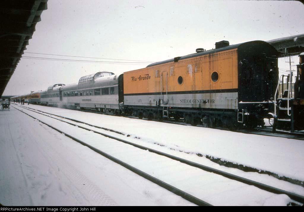 1272-02 Rio Grande Ski Train departs Union Station