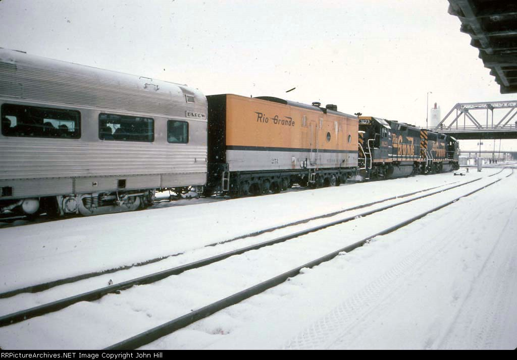 1272-03 Rio Grande Ski Train departs Union Station