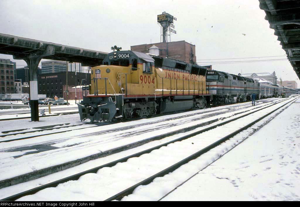 1273-05 Amtrak San Francisco Zephyr at Denver Union Station