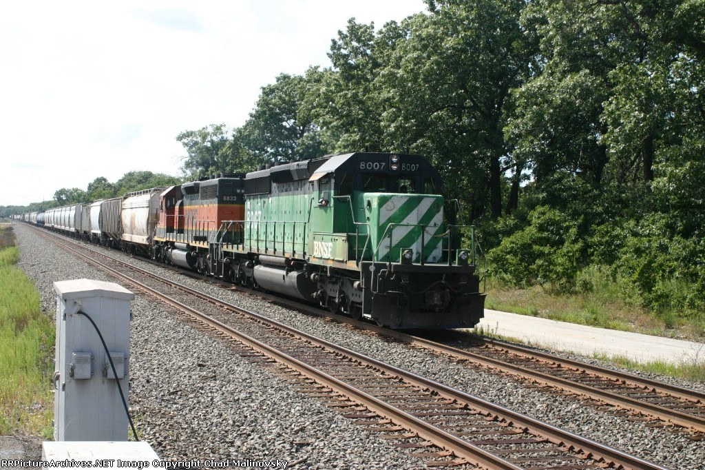BNSF 8007  32G