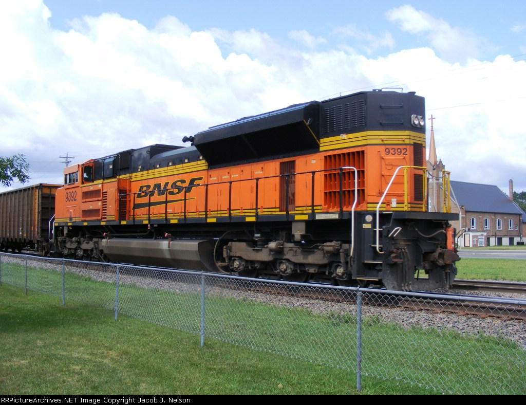 BNSF 9392 (DPU)