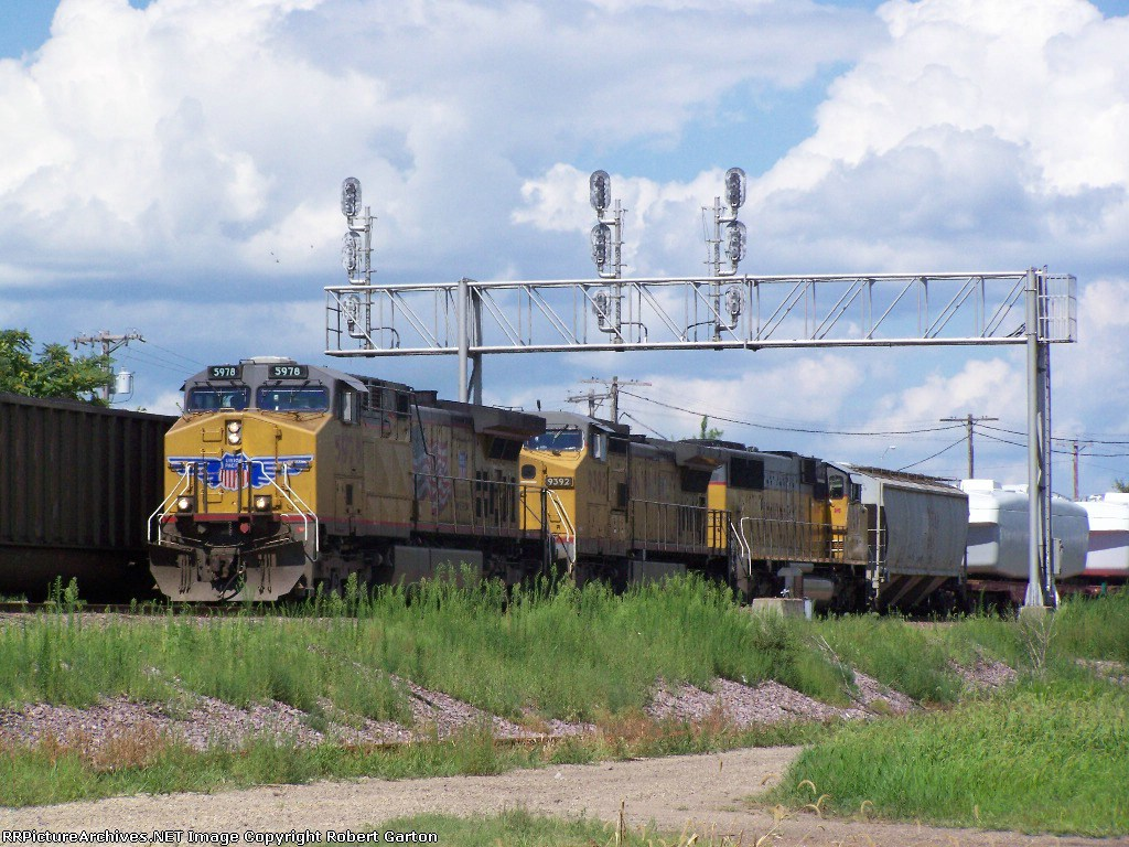 UP 5978 Leads Freight West