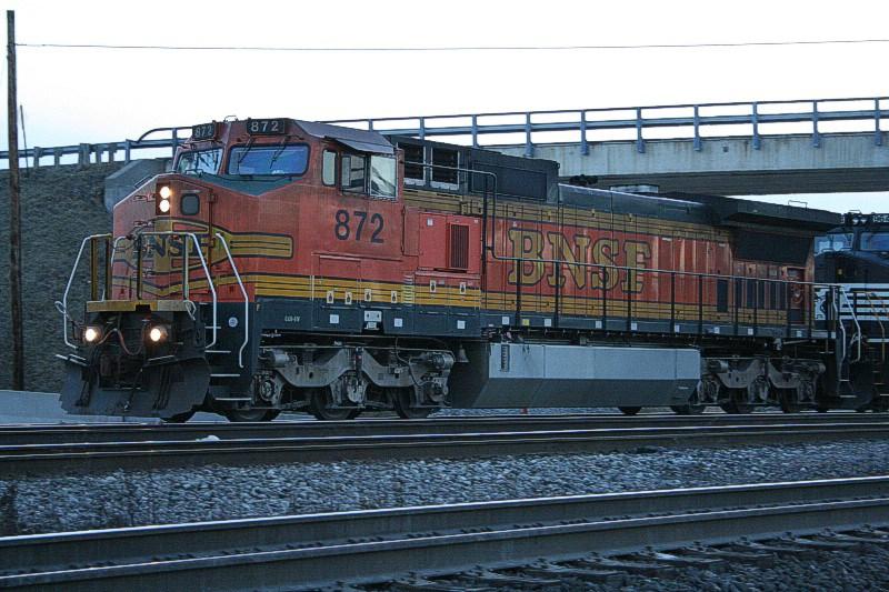 BNSF 872