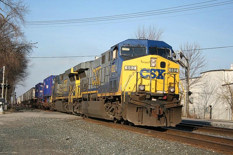 CSX 682