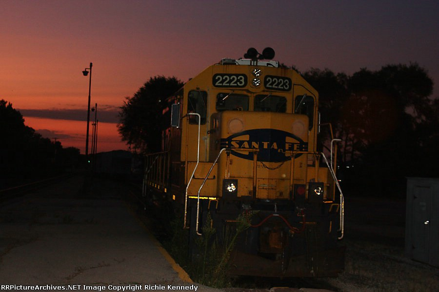 Here's the secon shot I made of BNSF GP38 2223 as the sun was starting to rise