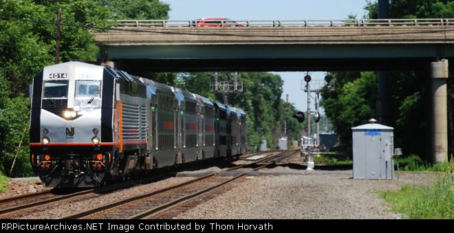 NJT Train 5521 passes beneath I-287's underpass for a station stop