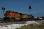 BNSF 5352 splits the signals