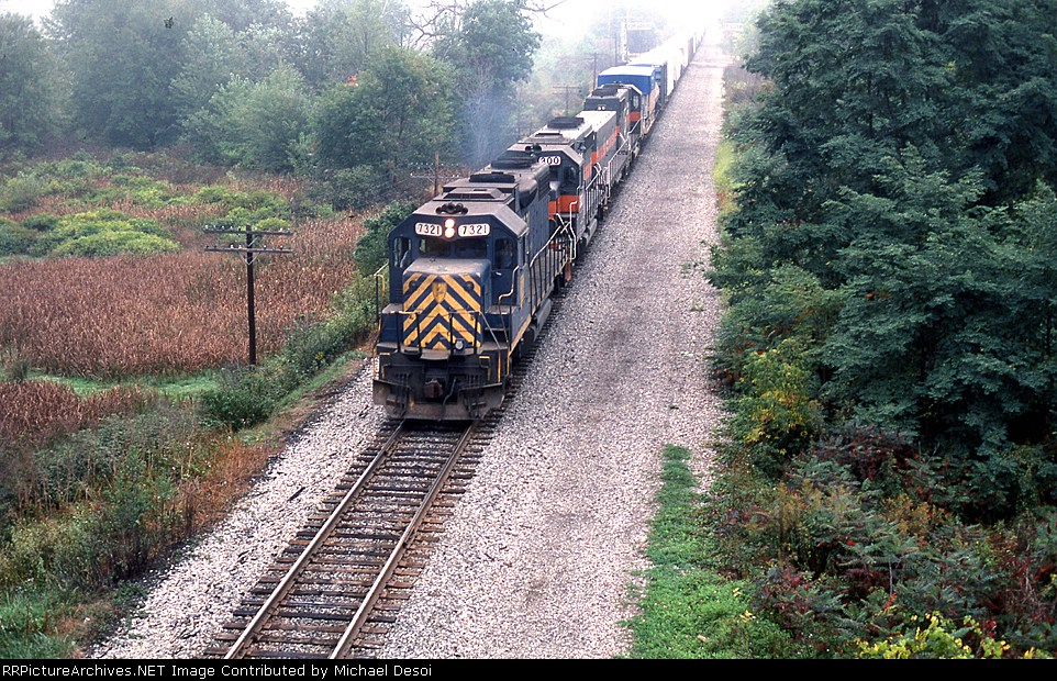 D&H GP-38-2 leads a freight