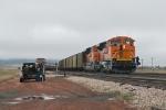 BNSF 9272 East changes crews
