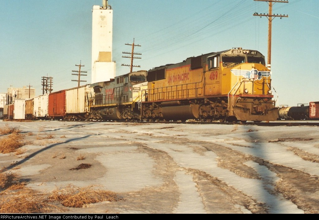 UP Southbound waits to cross BNSF