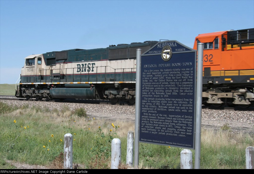 BNSF 9754 passes the historic potash boom town marker