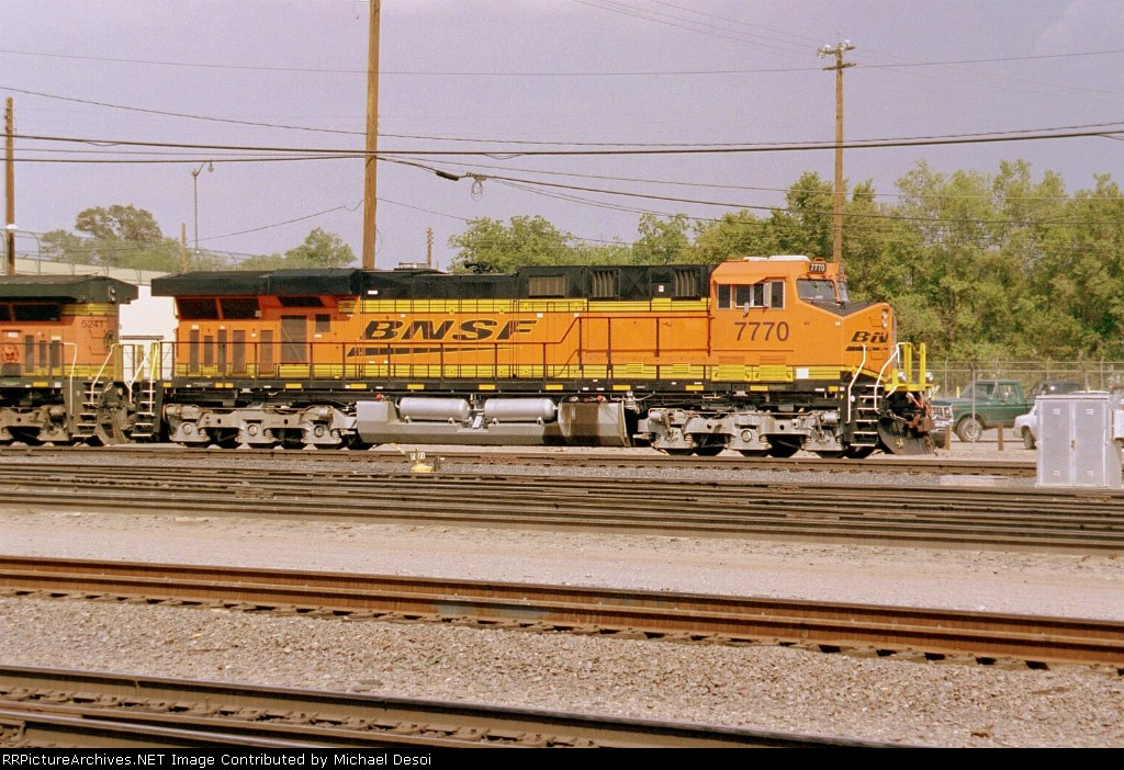 BNSF ES-44DC #7770 leads an eastbound into the yard