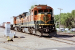 BNSF B40-8 #8602 leads the northbound Albuquerque turn at Woodward Rd.